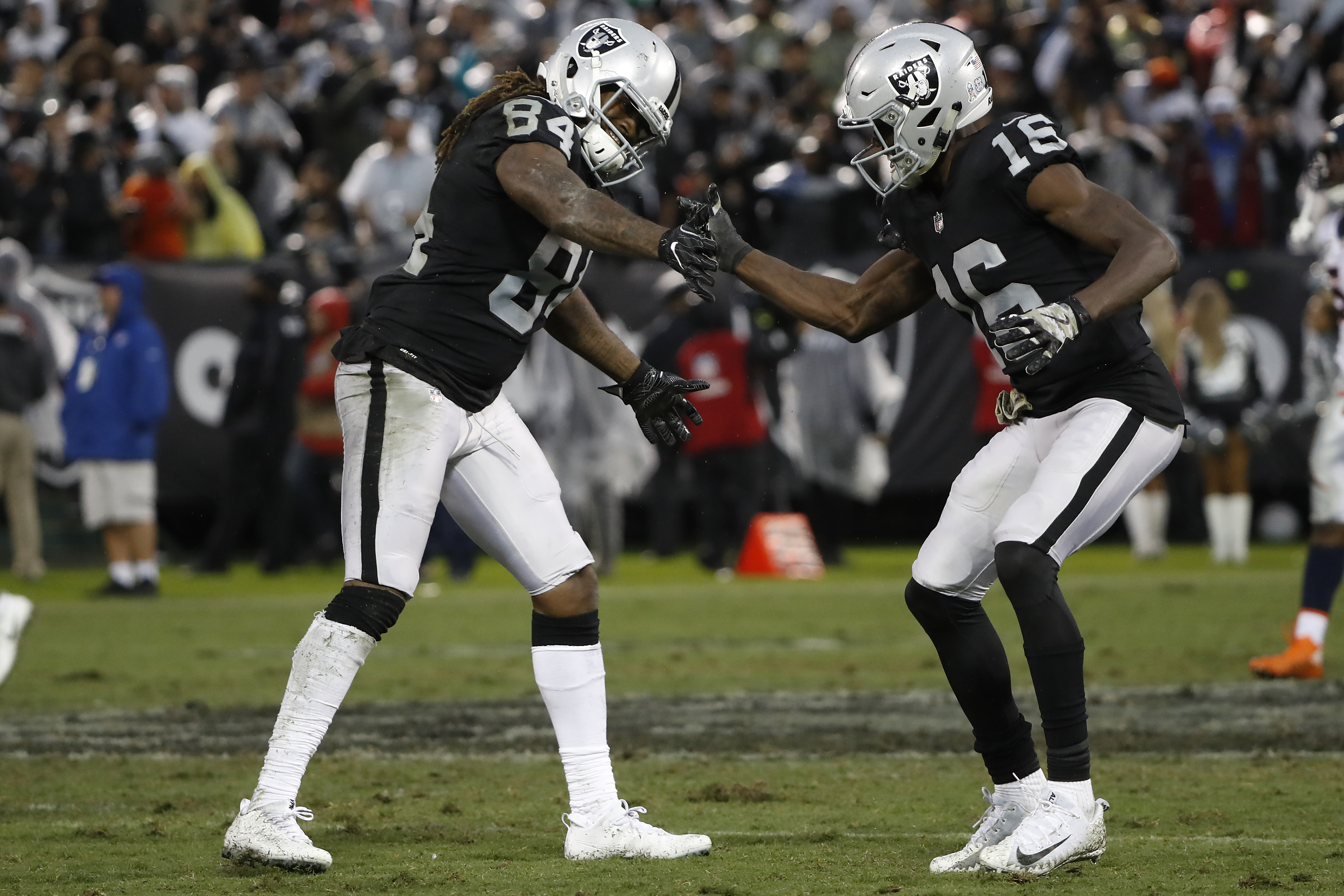 CB Amerson, LB James inactive for Raiders against Giants